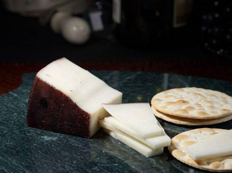formaggio capra saanen